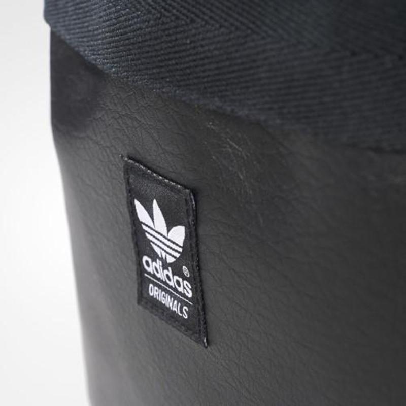 Adidas Multicolor AO34236